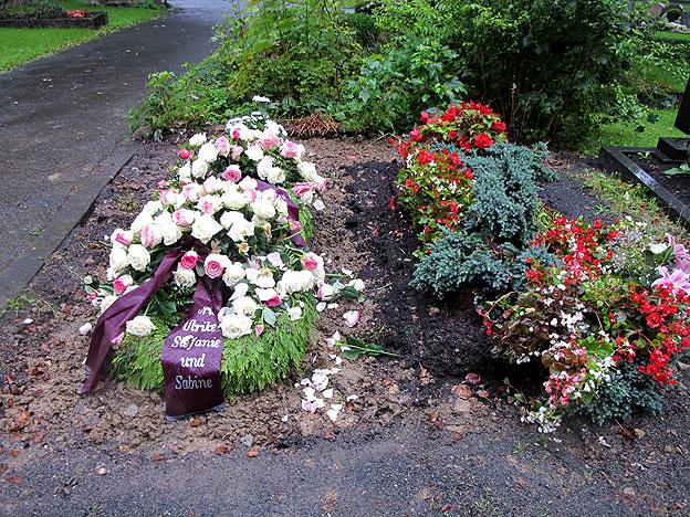 Grabdekoration im Trauerfall  Grabpflege Siegen
